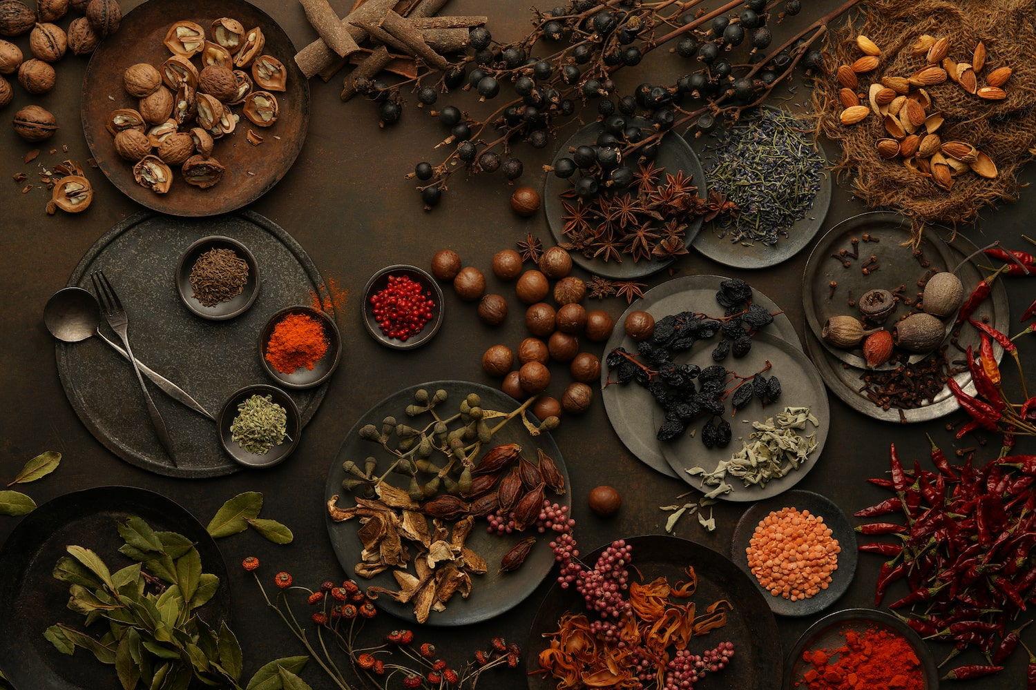 table-setting-earthy-spices-alpha-7RIV