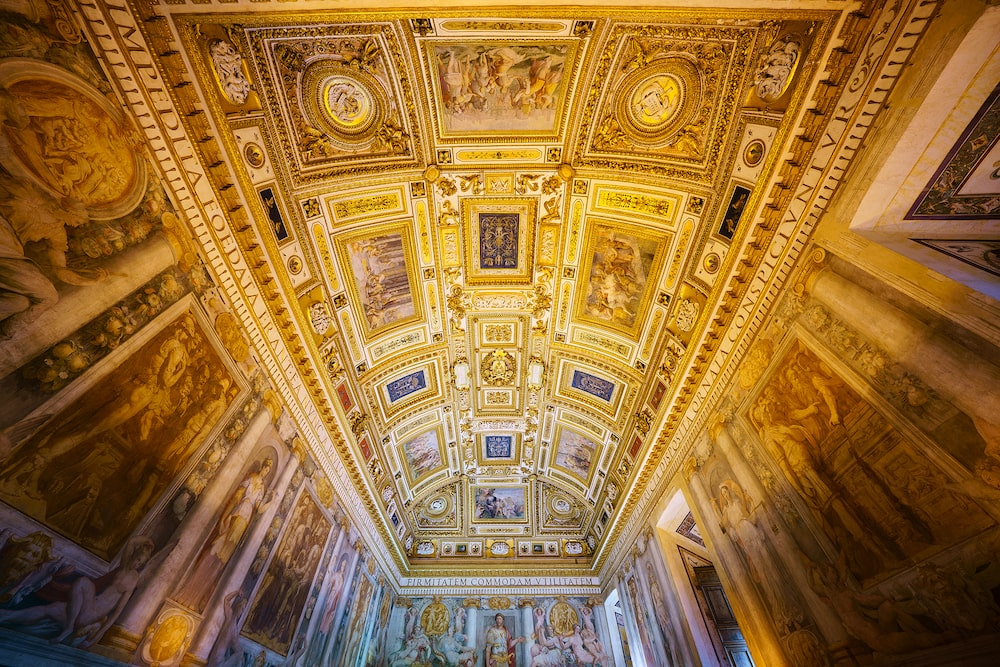 golden-ceiling-details-alpha-7RIII