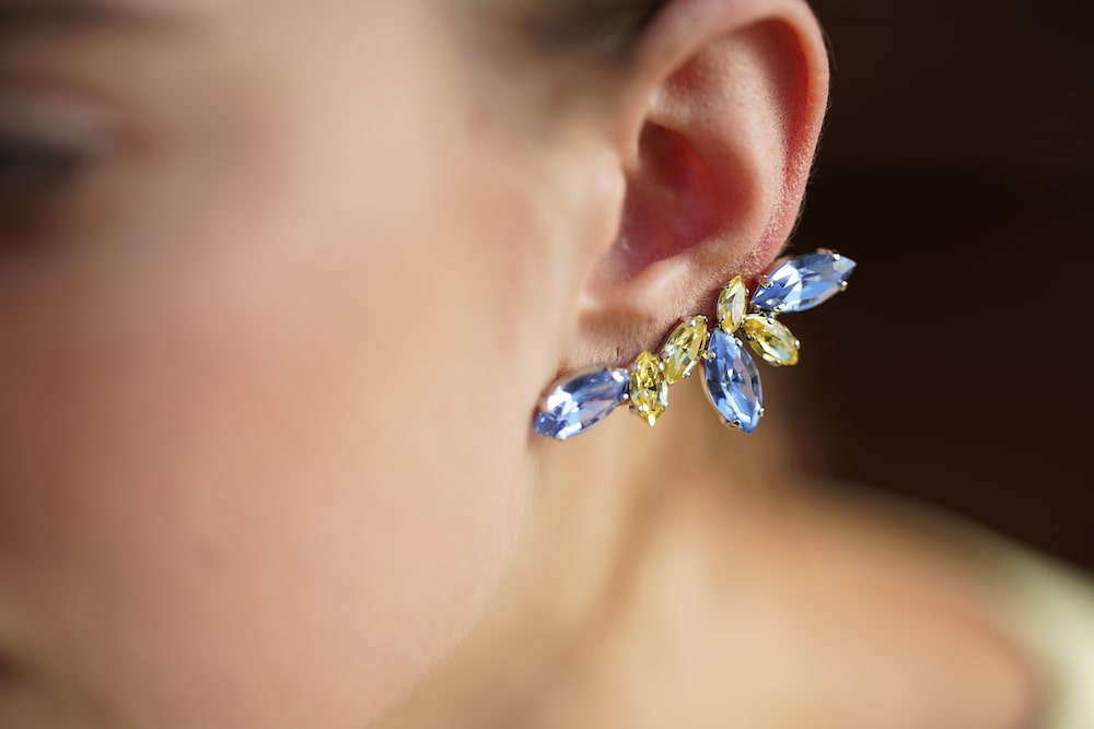 close-up-blue-earrings-alpha-7RIII