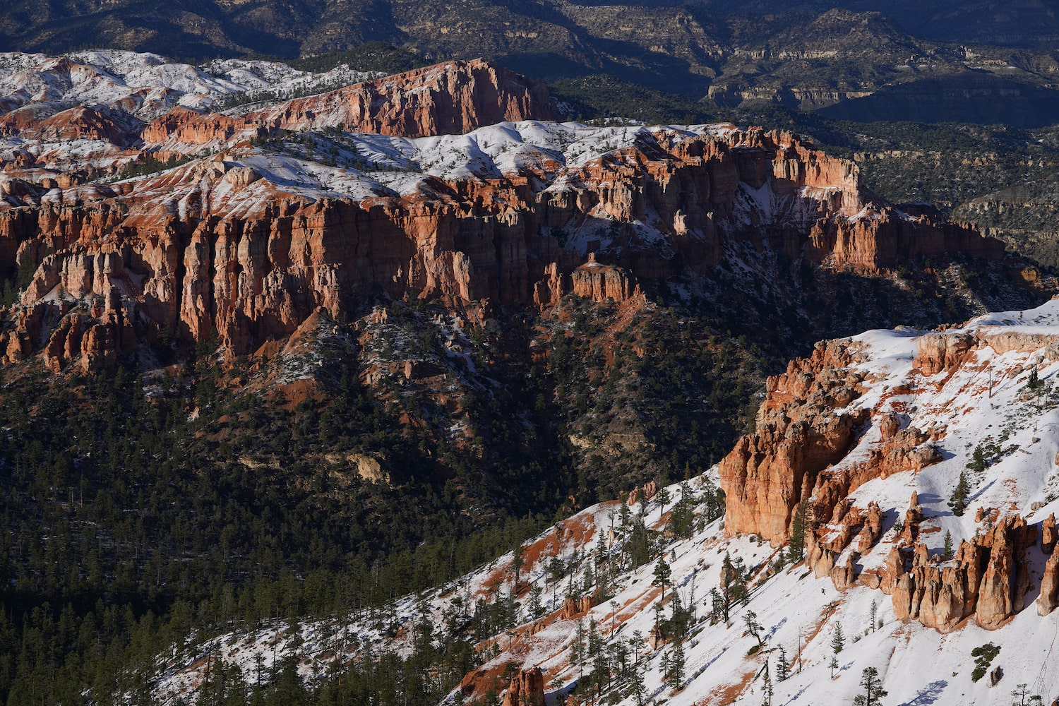 mountain-filled-with-snow-canyon-landscape-alpha-7RIV